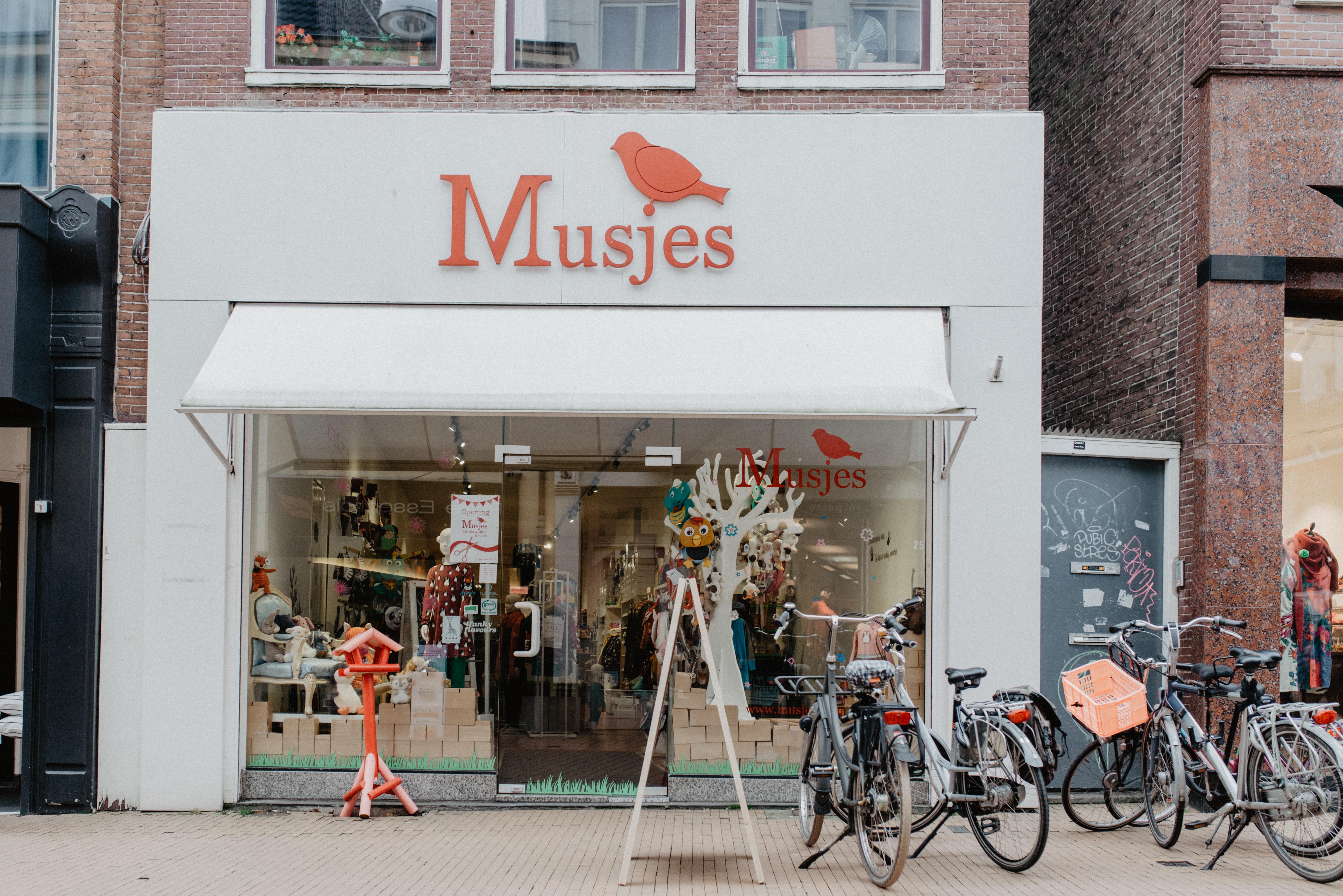 Musjes   Kinderwinkel & Café