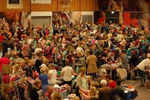 Kinderkleding Groningen.Kinderkleding En Speelgoedbeurs Haren Moeders In Groningen